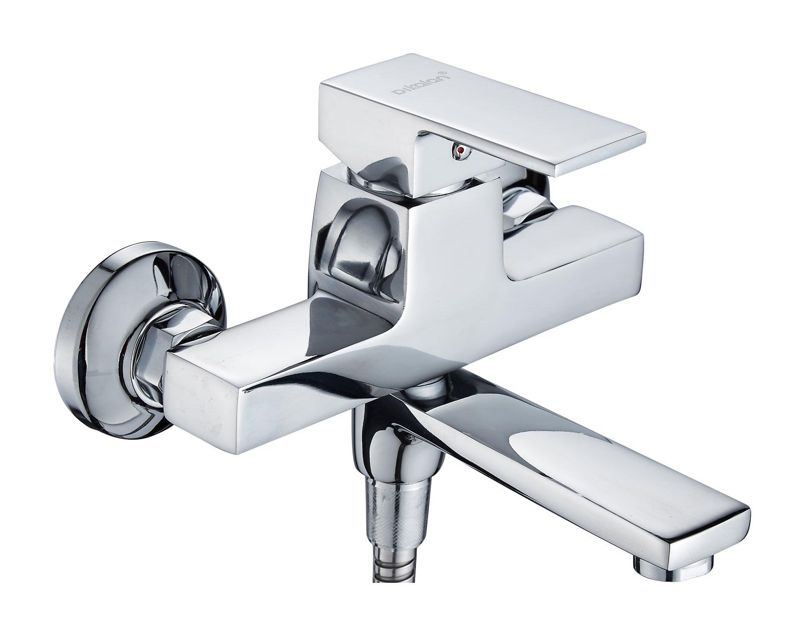 Одноручковый смеситель для ванной D3156-2