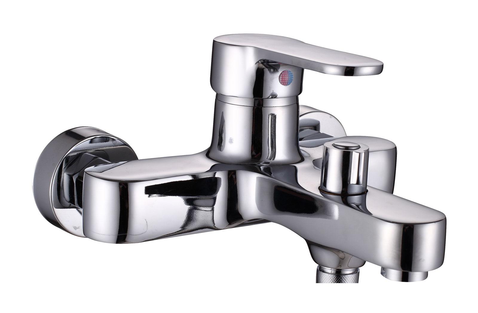 Одноручковый смеситель для ванны D3161