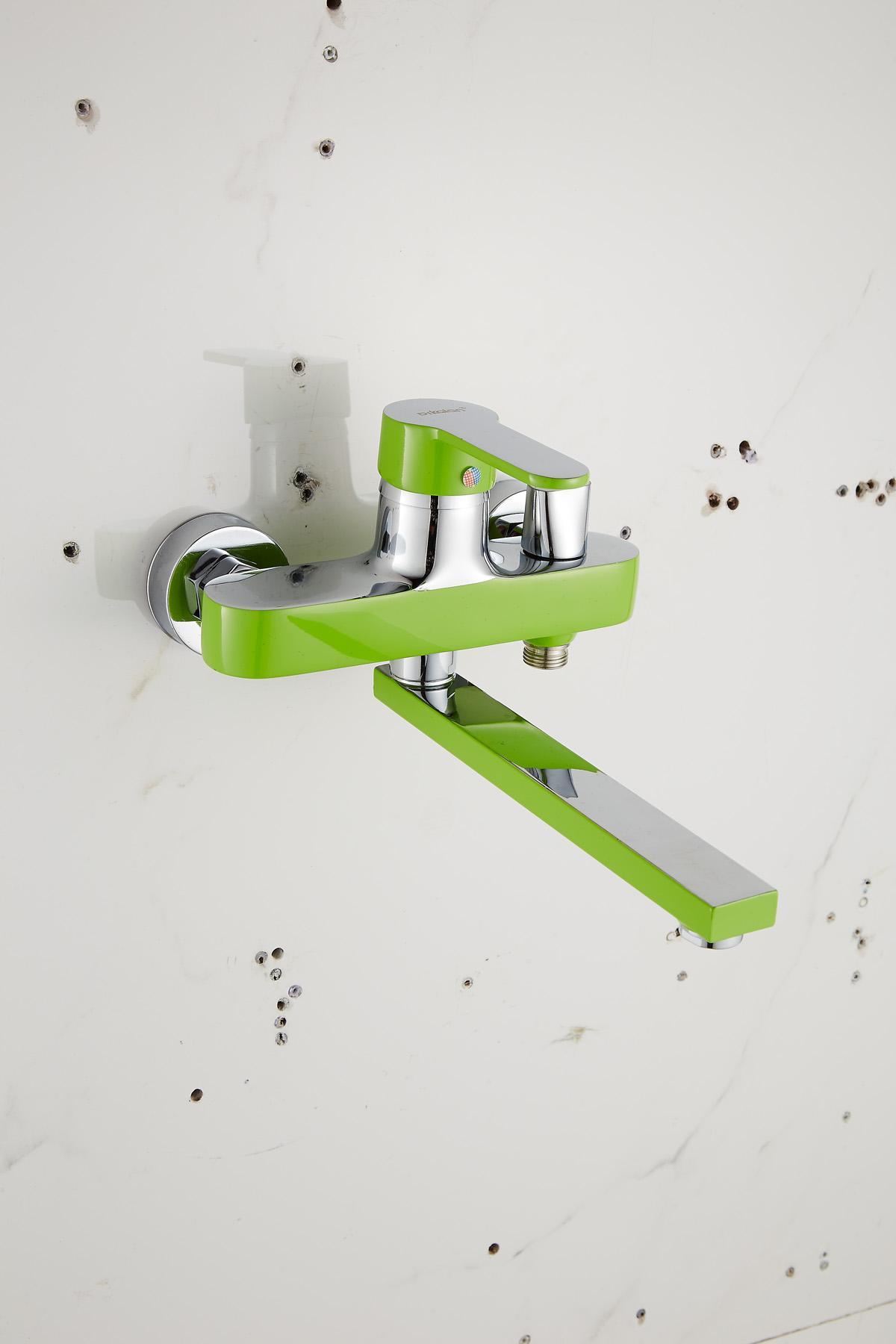 Одноручковый смеситель для ванной D2261-15